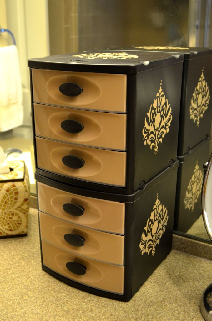 7-14 painted storage drawer & 5 Dorm Decorating Ideas for the Student on a Budget | Knetbooks Blog